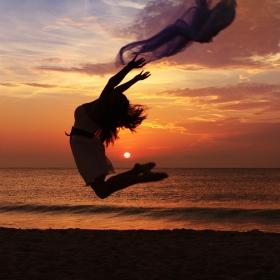 Утро, плаж, балерина и... аз