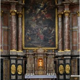 Абатската църква - интериор