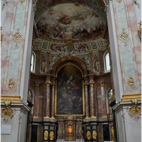 Абатската църква - интериор - 2