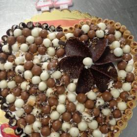 невероятна торта...
