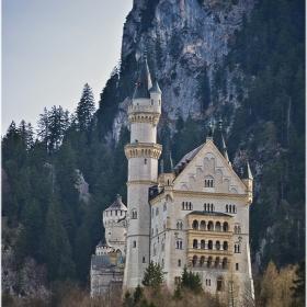 Замък Нойшванщайн  - южна фасада