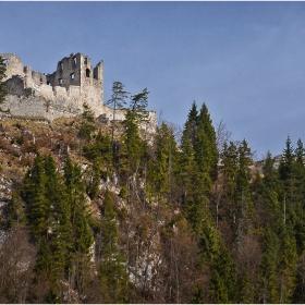 Руините на крепостта Ehrenberg (XIII в)