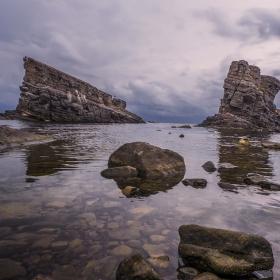 Корабите - Етимологията на произхода на имената в района води до извода, че в древен Синеморец са вилнели пирати. Смята се, че в местността Корабите са палели огън на високите скали имитирайки фар и са примамвали търговските кораби да се разбият в скалите