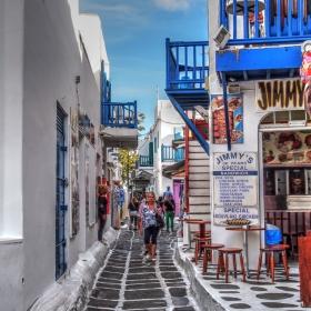 По уличките на Миконос