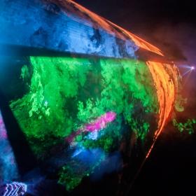Лазерно шоу в пещера ЛЕДЕНИКА