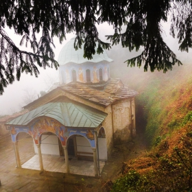 Църквата в Соколския манастир