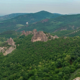 Манастирските скали над Перущица