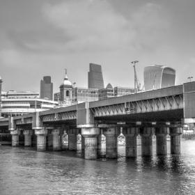 LONDON -BW