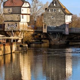 Двете къщи на моста  в Bad Kreuznach се споменават в документи за първи път през 1495 г. Мостът е строен от 1300 до 1322 год.
