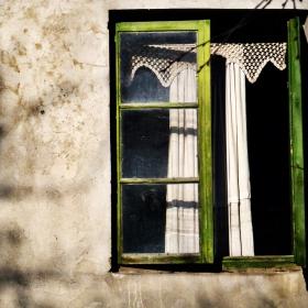 Празорецът на изоставената къща