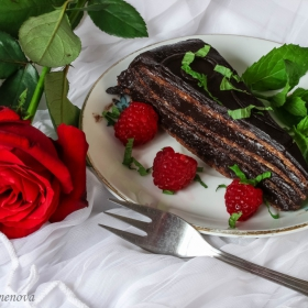 Без значение кой празник празнувате днес - да си подслaдим живота с едно парче торта :)