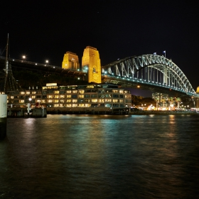 Harbour Bridge&Hayat Hotel at night