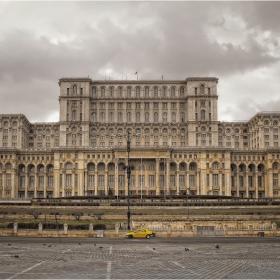 Дворецът....