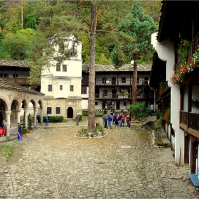 В Троянския манастир