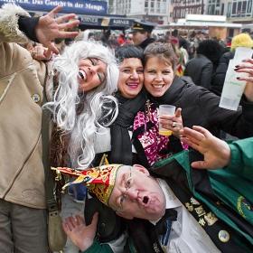 Скици от карнавала в Bad Kreuznach, 2015...    Кеф за млади и за стари...