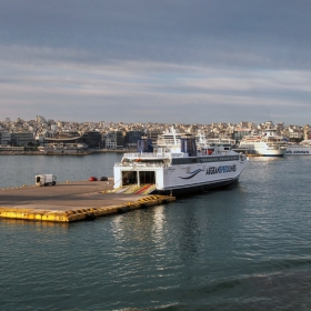 Пристанището на Пирея 2