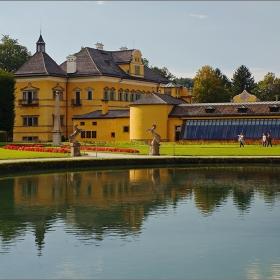 Дворецът Хелбрун в Залцбург