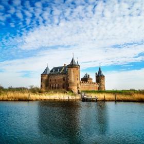 Холандски замък