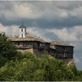 Гложенски манастир Св. Георги Победоносец 1230 г.