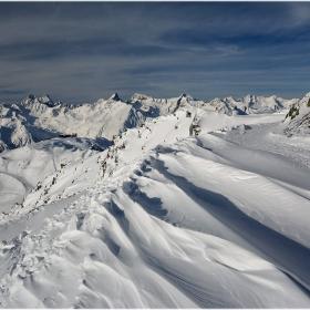 Снежен вираж