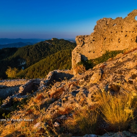 Крепостта Устра