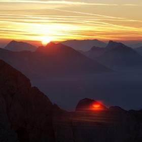 Изгрев над Юлианските Алпи