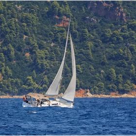 Да заграбеш вода с борда - една от големите емоции на яхтсмена
