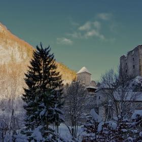 Край руините на Камен град -1263 г.