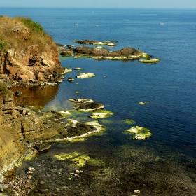 Край ахтополския скалист бряг