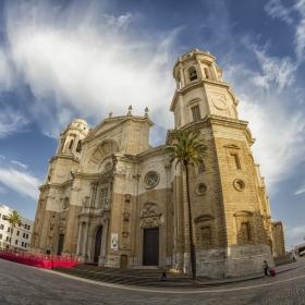 Катедралата в Cadis!