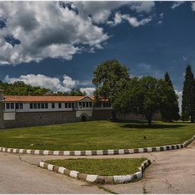 Воденски манастир Св. Св. Кирик и Юлита