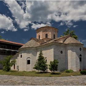 Манастирската църква