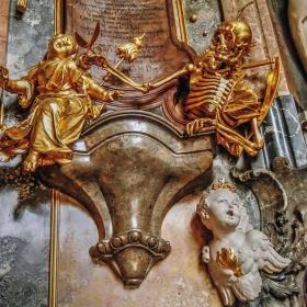 Asamkirche - Смъртта реже нишката на живота