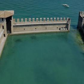 Пристанището на Rocca Scaligera