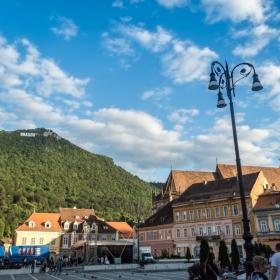 Площада на Съвета в град Брашов, Румъния