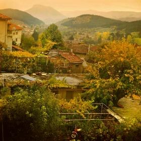 Топъл спомен за есента в Котел