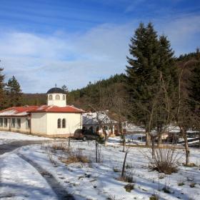 Манастирска зима