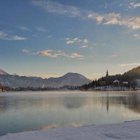 Слънчево зимно утро