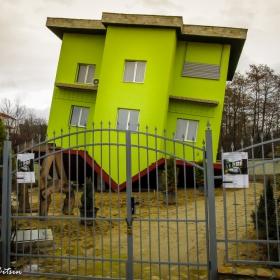 Обърнатата къща - село Марчево