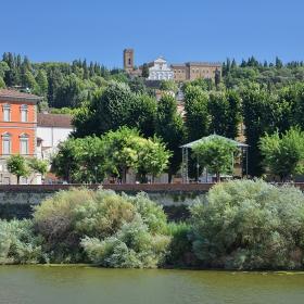 От Арно към Abbazia di San Miniato al Monte, Флоренция