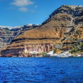 Пристанището на Тира