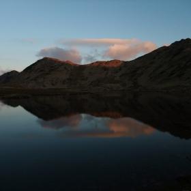 Тевното езеро в края на деня