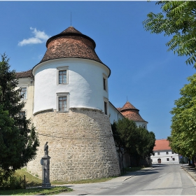 Замък Brezice 1530-1601 г.