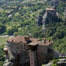 Поглед към манастирите Русану и Анапавса