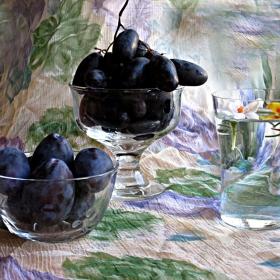 Честит Август! Зноен, натежал от плод и от летните ни сънища за мир, обич и добро!