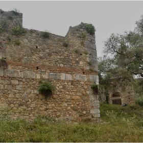 Крепост Gardiki _13 век - главна порта*