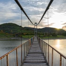 Въжения мост