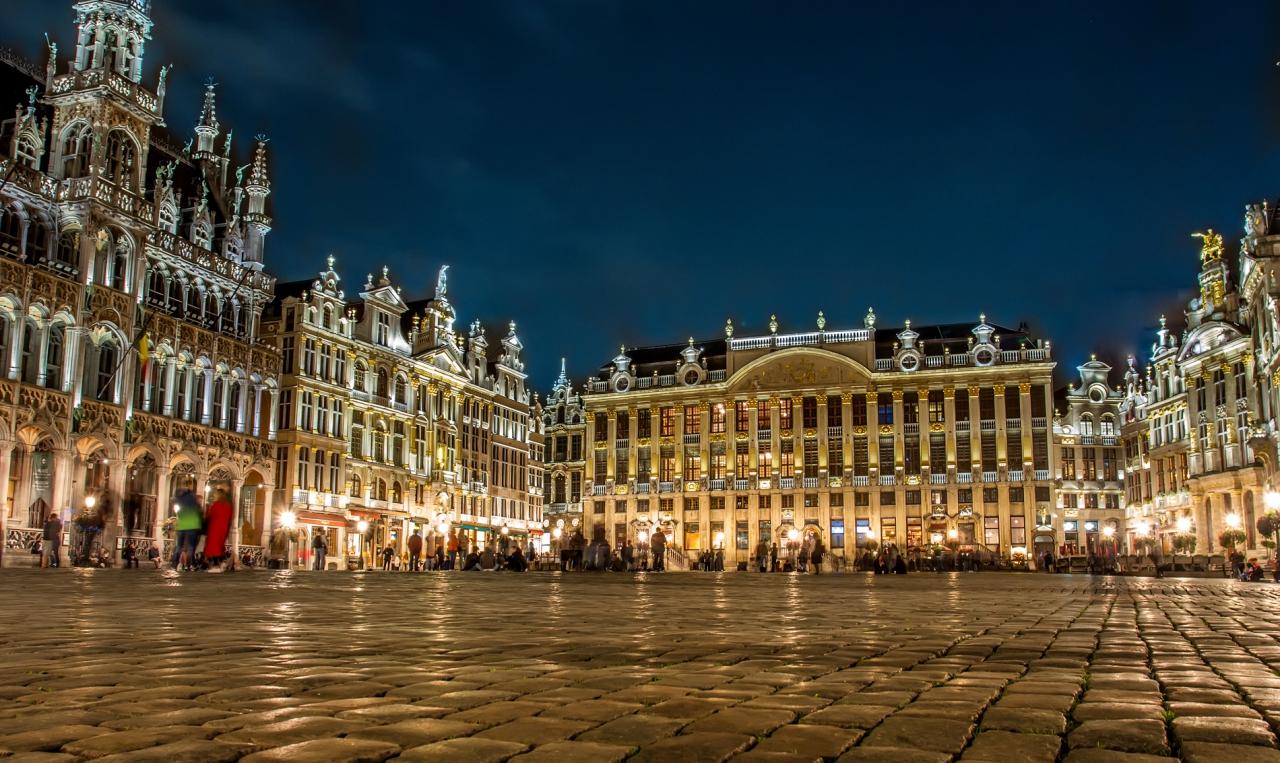 Една вечер на площада
