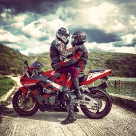 Любов на колела