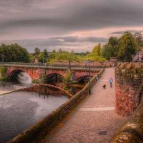 Old Dee Bridge and Bridgwgate, Chester - две кликвания моля